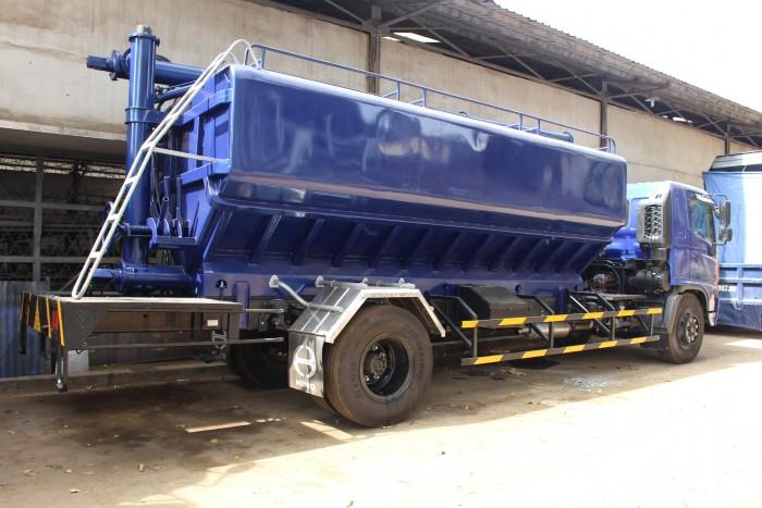 Xe tải Hino FC 9 khối chở thức ăn chăn nuôi, trả trước 100 triệu nhận xe ngay 4