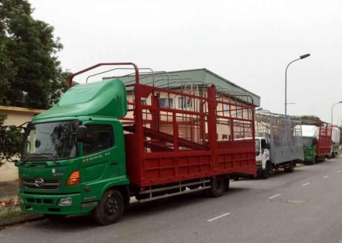 Xe tải Hino FC chuyên chở xe máy, xe ô tô 5