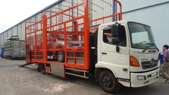 Xe tải Hino FC chuyên chở xe máy, xe ô tô