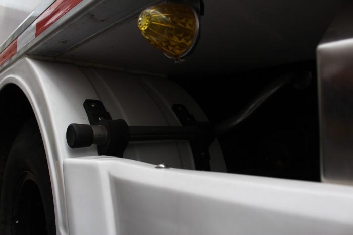 Xe tải Hino FC 6.2 tấn thùng đông lạnh 6m7 - Trả trước 100 triệu giao xa ngay