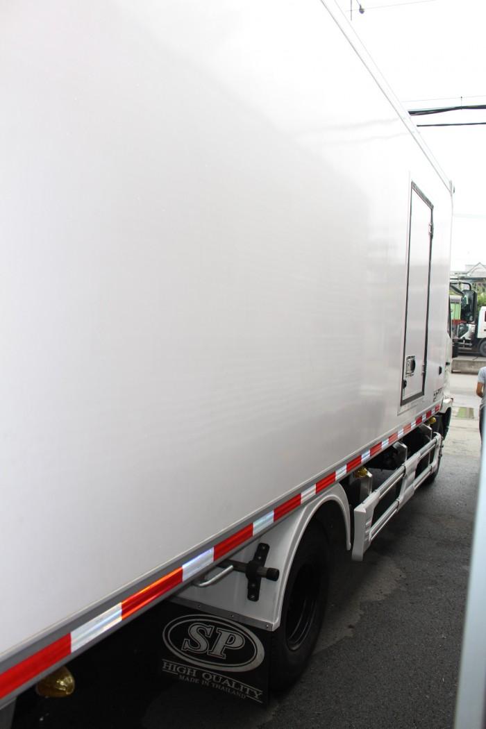 Hino FC 6.2 tấn thùng đông lạnh 6m5 - Trả trước 100 triệu giao xa ngay - Gọi 0978015468 (MrGiang 24/24)