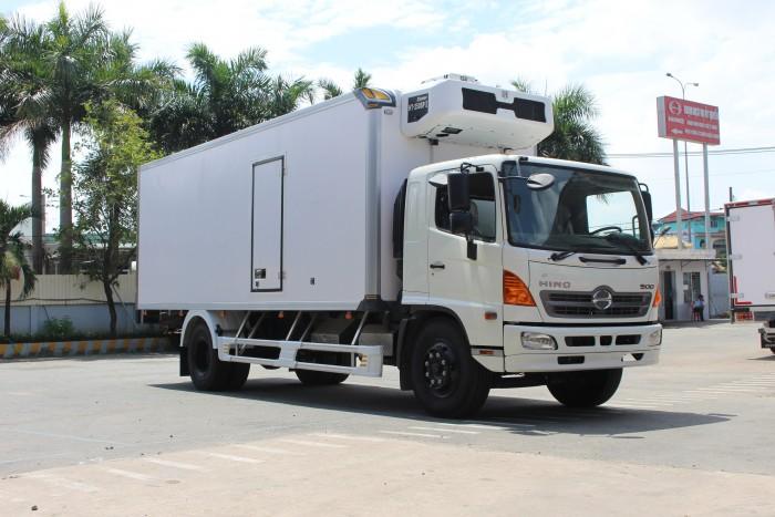 Xe tải Hino FC 6.2 tấn thùng đông lạnh 6m5 - Trả trước 100 triệu giao xa ngay - Gọi 0978015468 (MrGiang 24/24)
