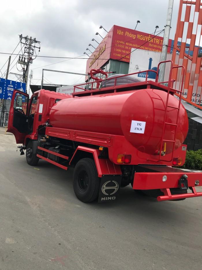 Xe chở nước rửa đường tưới cây Hino FC 6 khối