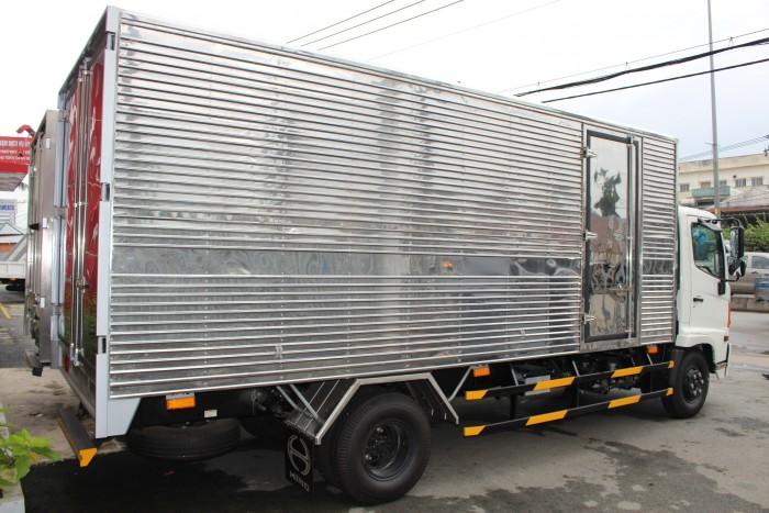 Xe tải Hino FC 6.4 thùng kín inox, trả trước 100 triệu giao xe ngay - Gọi 0978015468 (MrGiang 24/24)