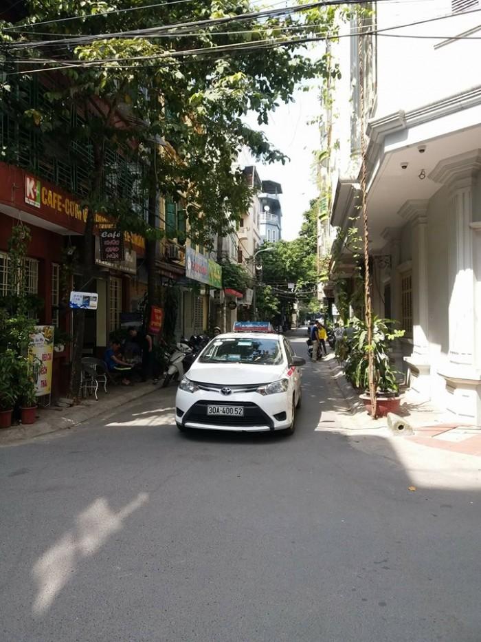 Chính chủ cần bán nhà 2 tầng phố Đội Cấn, quận Ba Đình, dt 66m