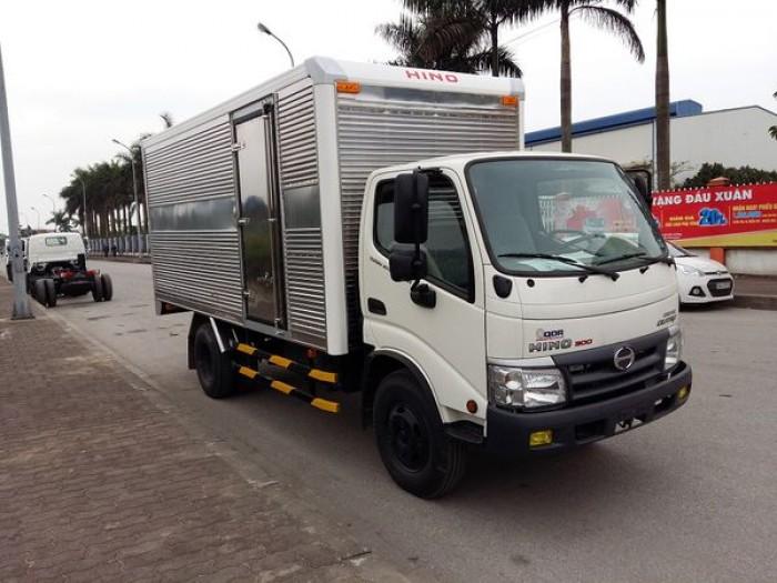 Xe tải Hino Dutro WU342L thùng kín inox 4.2 tấn, trả trước 100 triệu giao xe ngay 2