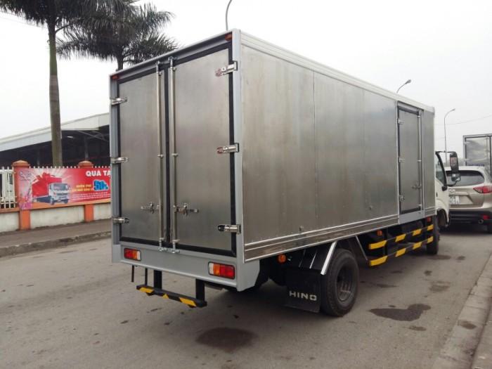 Xe tải Hino Dutro WU342L thùng kín inox 4.2 tấn, trả trước 100 triệu giao xe ngay 4