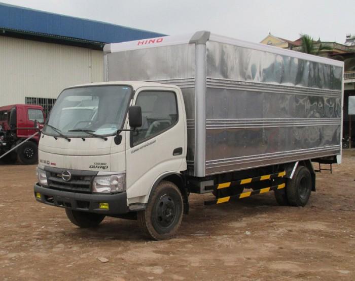 Xe tải Hino Dutro WU342L thùng kín inox 4.2 tấn, trả trước 100 triệu giao xe ngay 3