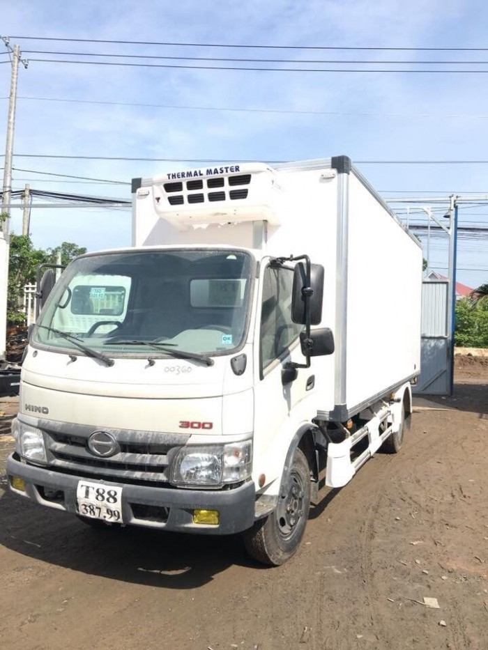 Giá xe tải Hino Dutro WU342L 4.5 tấn thùng đông lạnh, trả trước 100 triệu giao xe ngay - Gọi 0978015468 (MrGiang 24/24)