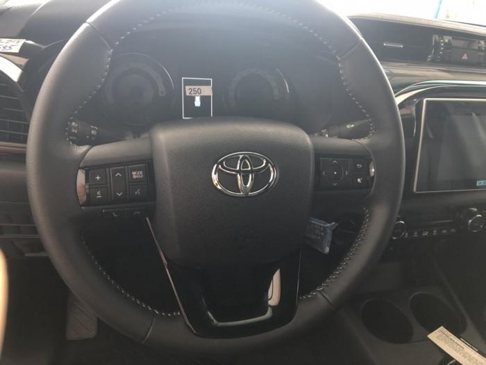 Toyota  hilux 2.8 at (4x4) màu trắng 2