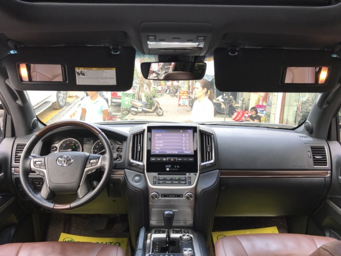 Bán Toyota Land Cruiser 5.7 sản xuất 2015, màu đen, xe nhập Mỹ