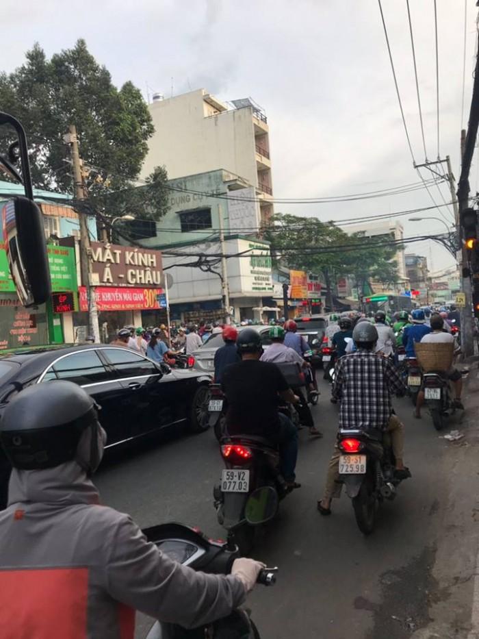 Bán cực gấp Nhà Lô gốc MT Phú Nhuận Nguyễn Văn Đậu 80m2