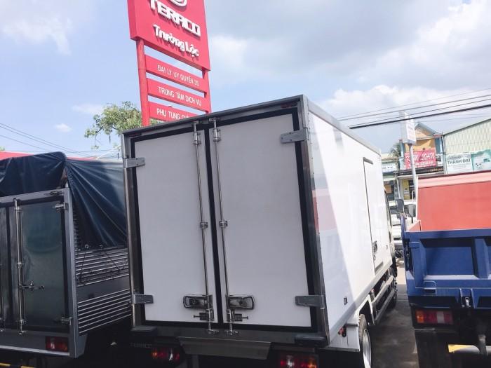 Nơi bán xe tải nhẹ đông lạnh 2,5 tấn tera240L