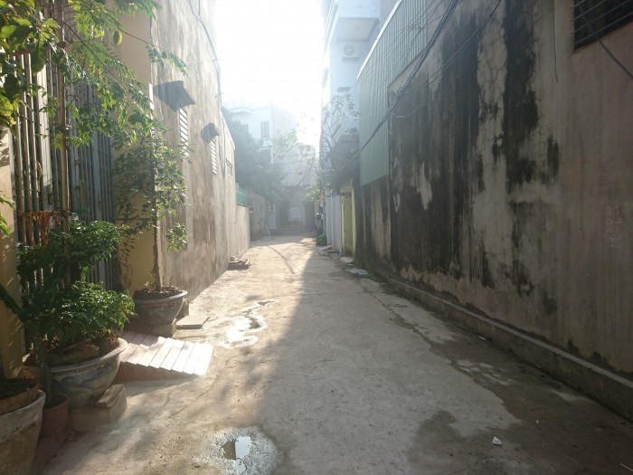 Đang cần bán gấp nhà trong ngõ Trần Hưng Đạo kéo dài đối diện hồ truyền thống