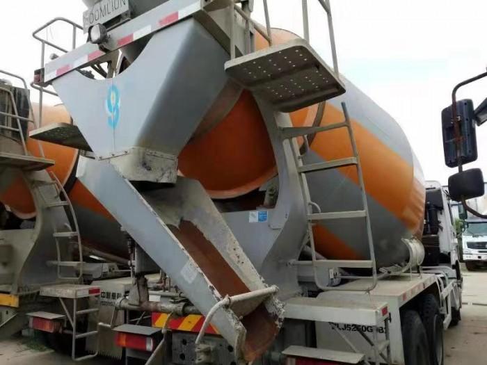 Xe trộn bê tông HoWO 12 m3, Trung Quốc sản xuất năm 2014, chất lượng còn 99% , hỗ trợ vay vốn