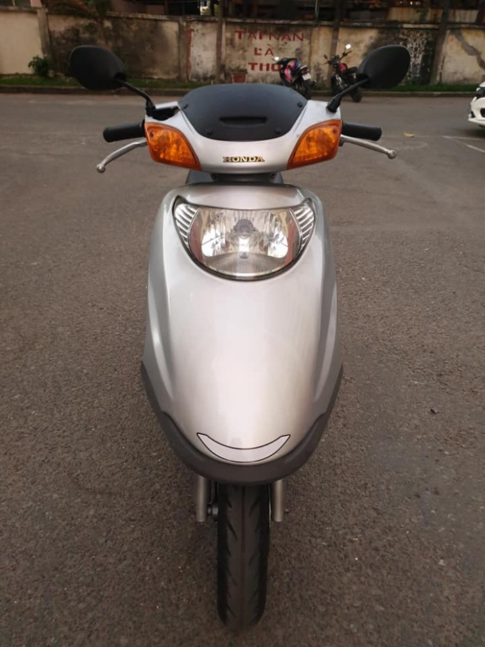 Bán Honda Spacy 100 Xám Bạc Chính Hãng Honda mới đẹp long lanh nguyên zin 100%.
