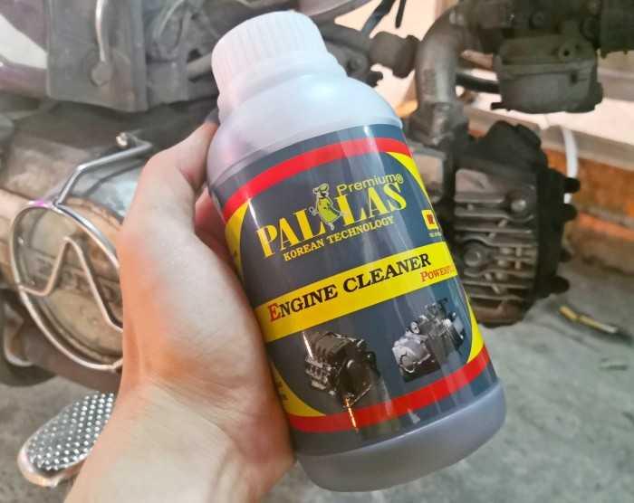Dung dịch PL- 500ml có tính năng tẩy rửa mạnh, nhanh chóng làm sạch bóng các bề mặt bị dính dầu, nhớt, rỉ sét, ố vàng, bám bụi lâu ngày trên máy xe...các vật dụng bằng inox, niền xe, lư đồng...( không tẩy rửa phần sơn xe).