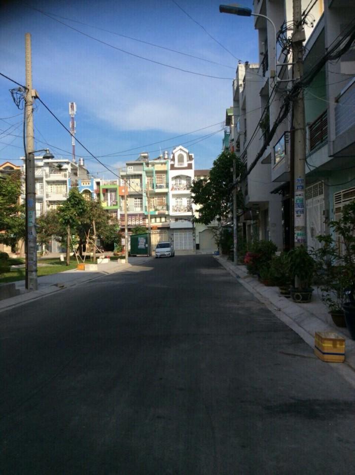 Bán nhà mặt tiền Bình Phú 2