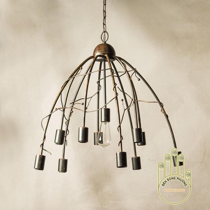 Đèn chùm sắt cổ điển thiết kế cho phòng ăn1