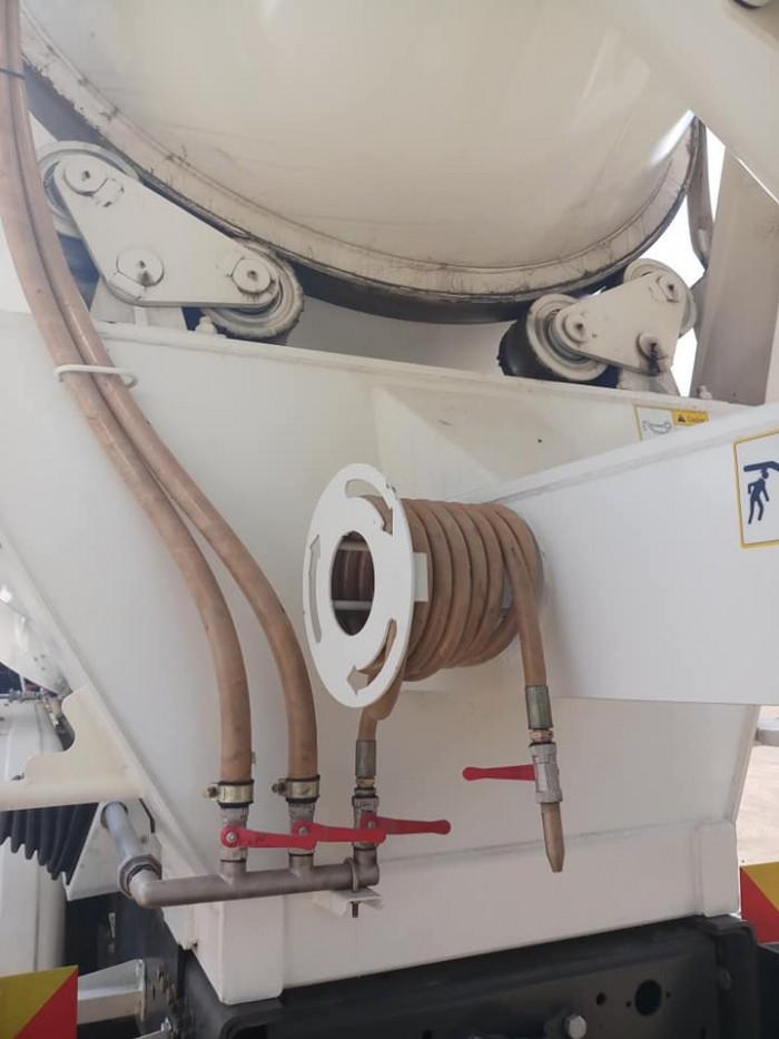 Xe bồn trộn Howo 2019 ga điện tiêu chuẩn Euro IV nhập khẩu bởi Rita Võ 5
