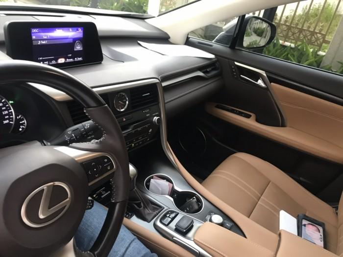 Bán gấp xe Lexus RX200t 2016 đk 2017 số tự động 6 cấp màu vàng cát