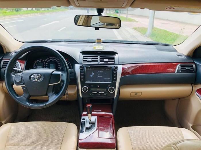 Gia đình cần bán xe Camry 2.4, sx2012 số tự động, màu đen