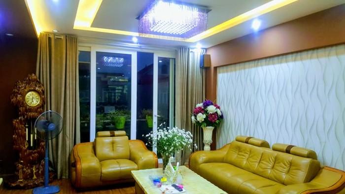 Bán nhà mặt phố khu Hoàng Quốc Việt 52m2 5 tầng kdoanh đỉnh