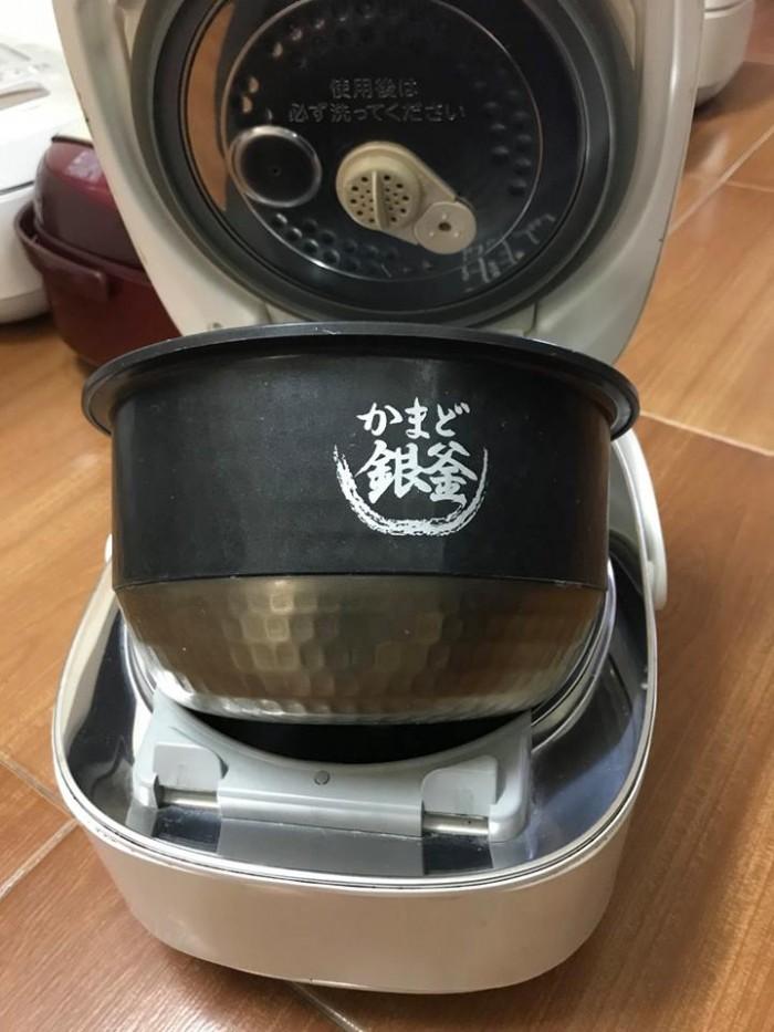 Nồi cơm TOSHIBA 1lit áp suất hút chân không2