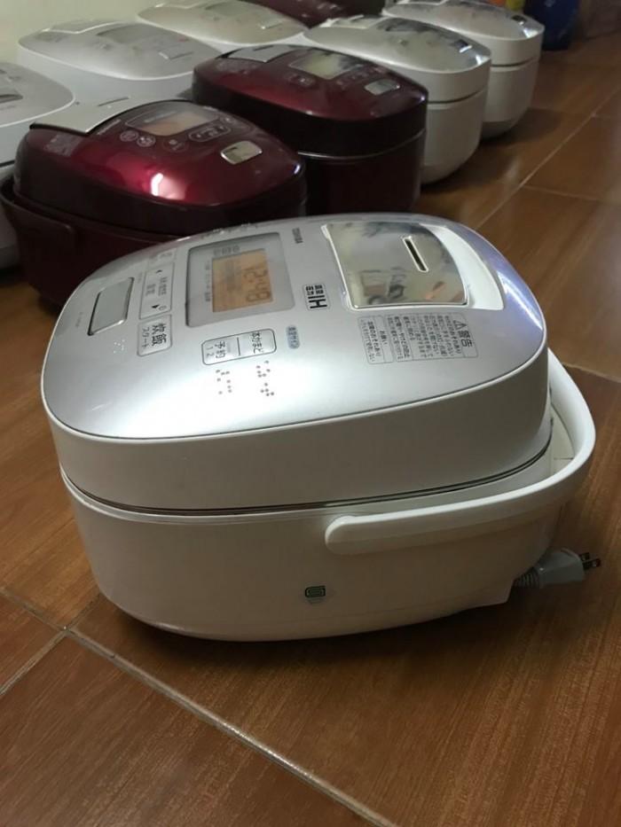 Nồi cơm TOSHIBA 1lit áp suất hút chân không0