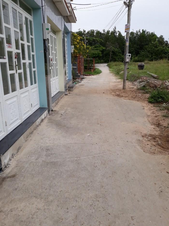 Bán nhà đúc 1 lầu 2pn dt 4x10m ngay hẻm 240 gần chợ Hiệp Thành quận 12