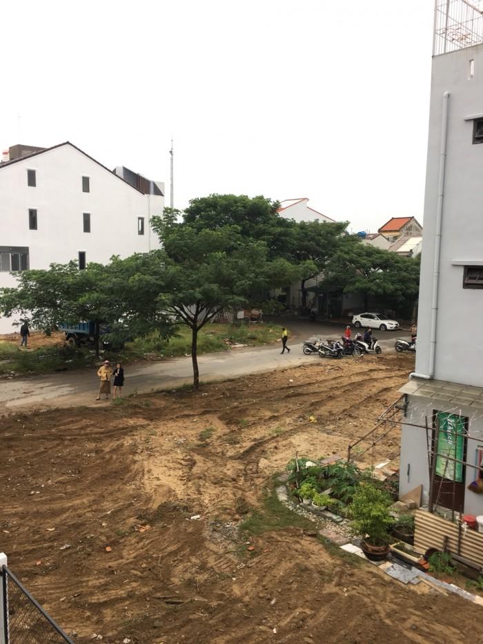 Bán 03 lô đất ngay trung tâm phố cổ Hội An LH: 0911296628.