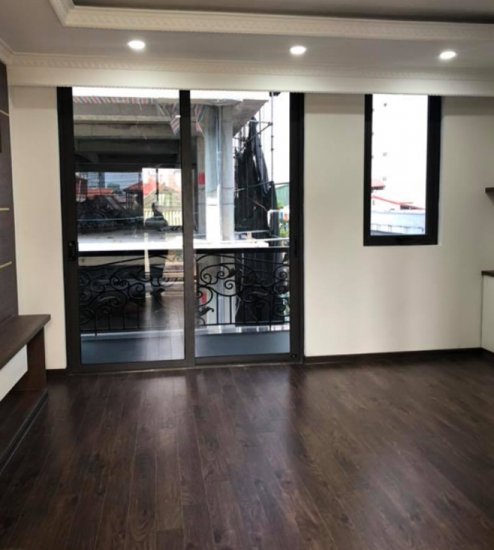 Bán nhà MỚI phố Nguyễn Chí Thanh, phân lô gara ô tô, 5 tầng chỉ hơn