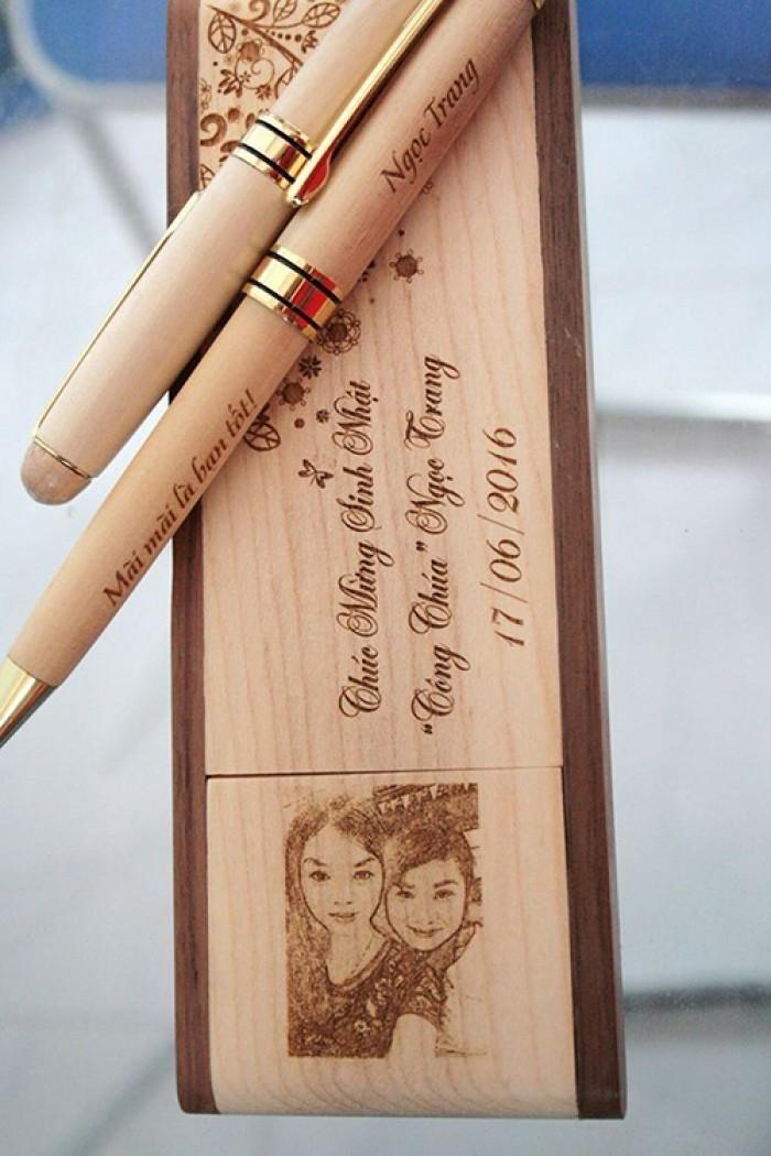 Hộp đựng bút bằng gỗ2