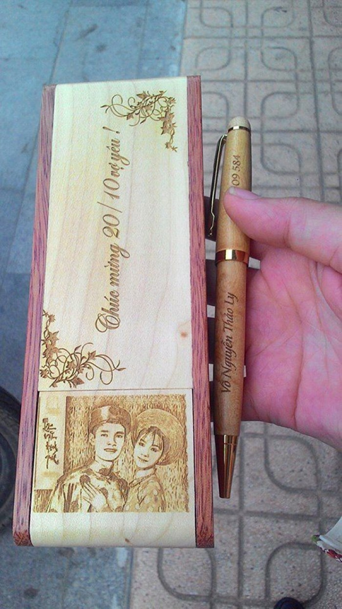 Bút gỗ khắc chữ0