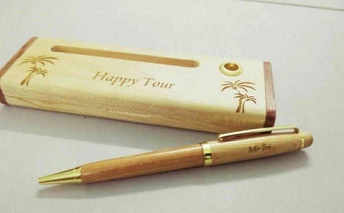 Bút gỗ khắc chữ2