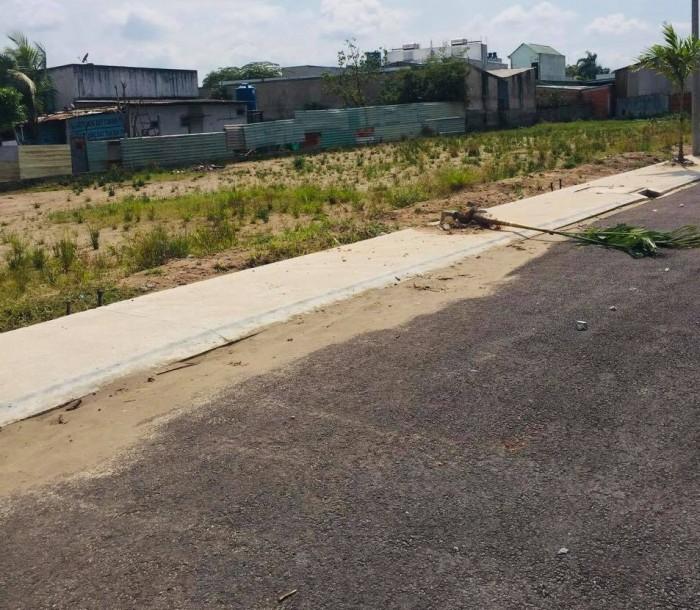 Bán gấp 2 nền đất liền kề ở thị trấn Bến Lức