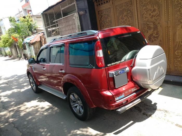 Gia đình cần bán Everest 2012, số tự động, máy dầu. màu đỏ, 8