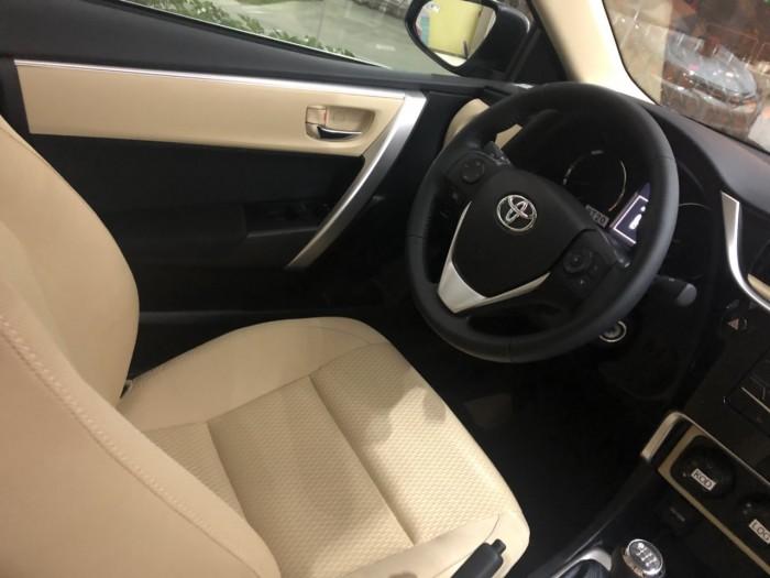 Toyota Corola Altis 1.8E Mt Số Sàn Màu Đen Giao Ngay Xe Mới 100%