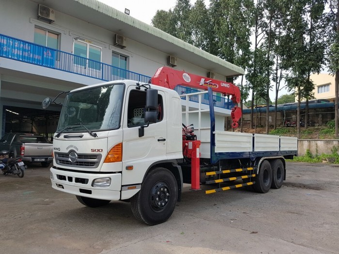 Xe tải Hino FL 15 tấn gắn cẩu Unic 3 tấn 2