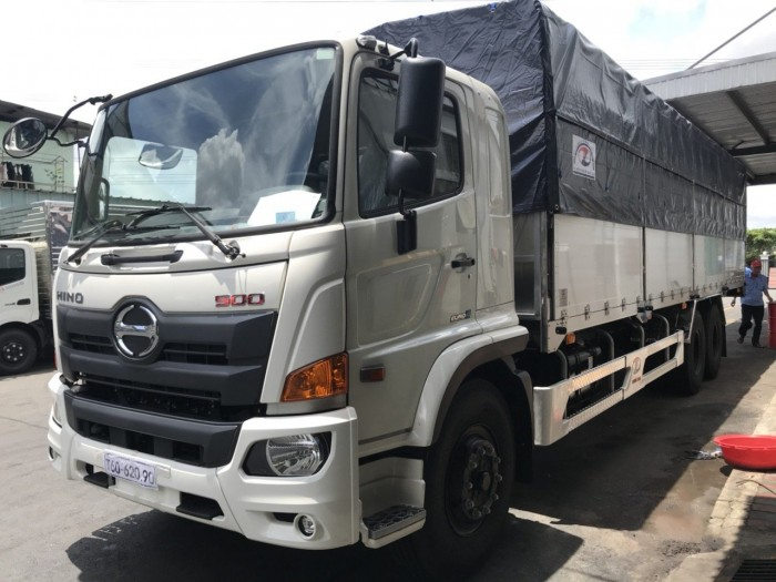 Xe tải Hino 16 tấn thùng mui bạt, trả trước 150 triệu giao xe ngay 3