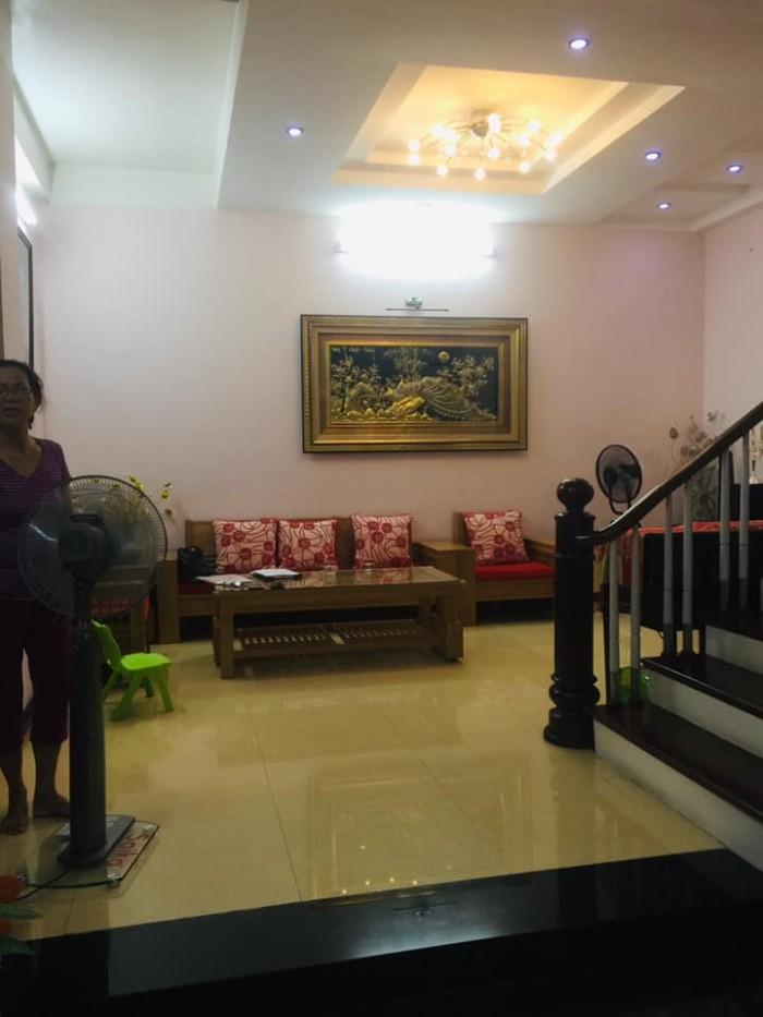 Nhà thiết kế hiện đại, cho Tây thuê, nội thất gỗ Lim để lại toàn bộ, MT 6m 5 tầng