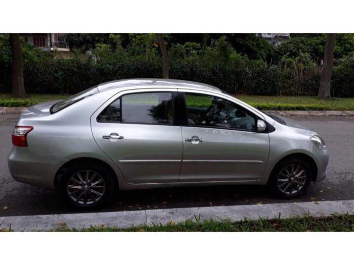 Bán gấp xe Toyota Vios E sx 2013, số sàn