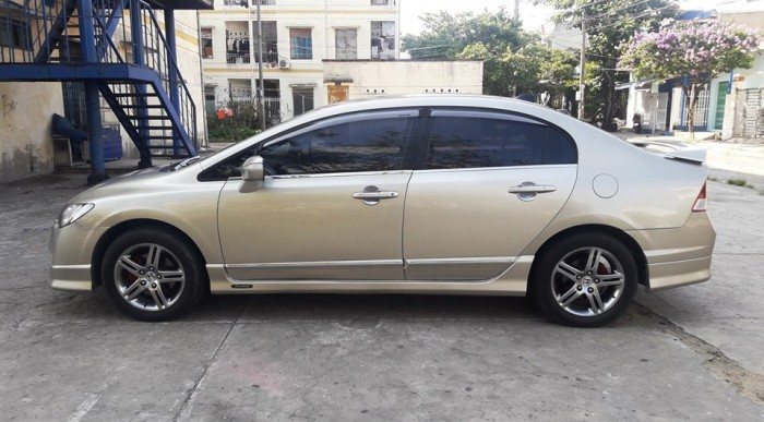 Cần bán xe Civic 2008, số tự động, màu vàng cát, nhà sài kỹ zin đẹp,