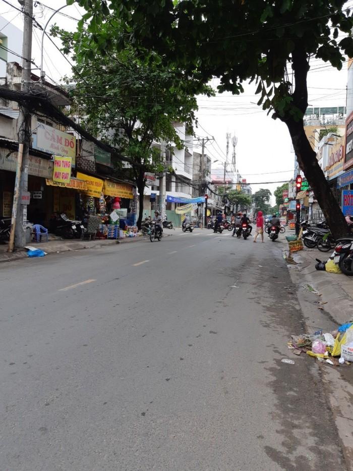 Cho thuê MB Văn Cao 4,5x10m ngay chợ Tân Hương vỉa hè 3m WC riêng