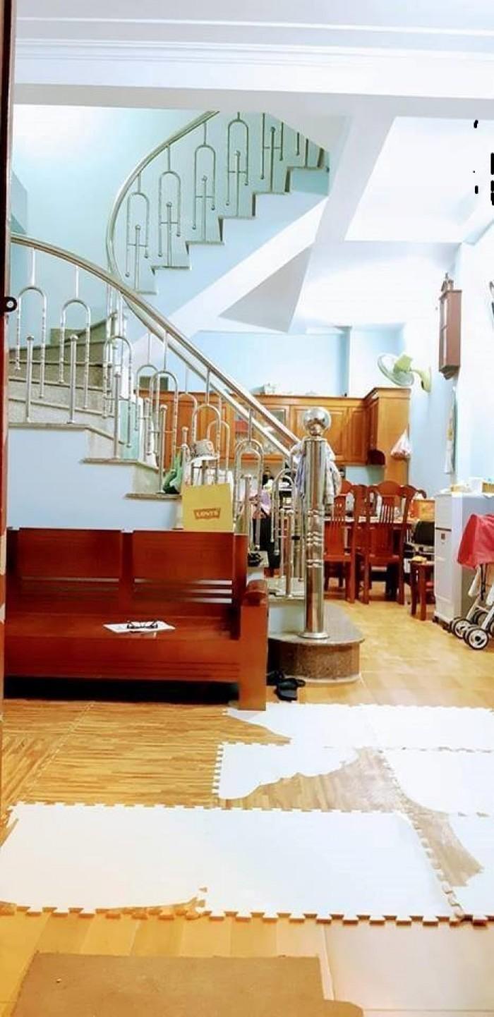 Bán nhà Nguyễn Tuân, lô góc, 6 ngủ, 40m2