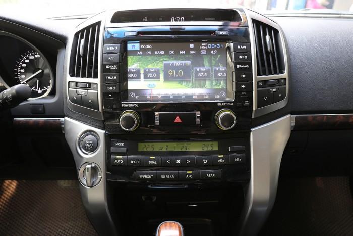 Toyota Land Cruiser 4.6 VX sản xuất 2013 đăng ký biển HN tên tư nhân