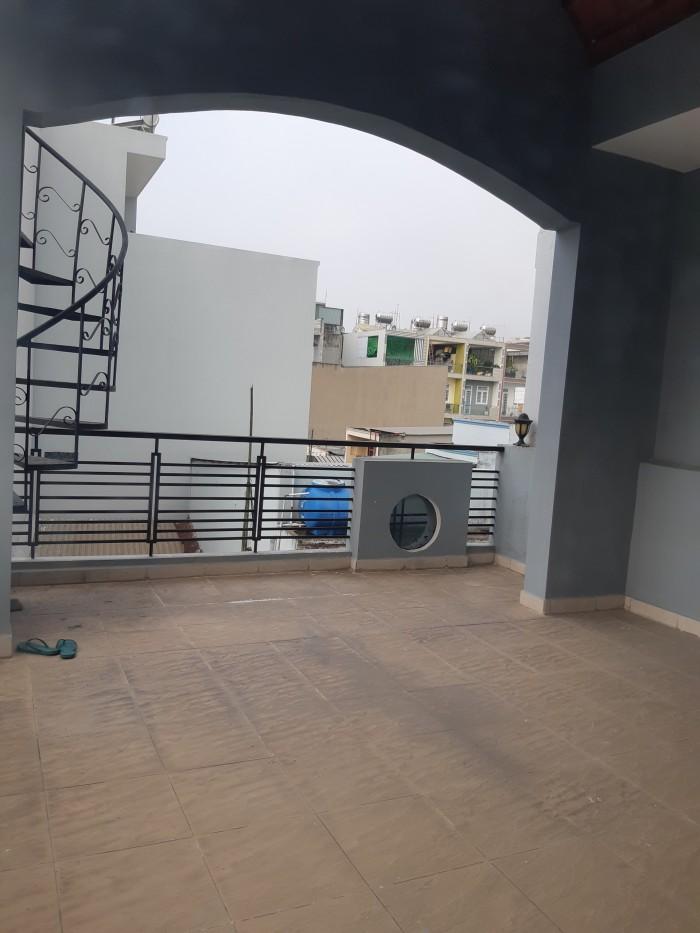 Cho thuê nhà mặt tiền 3 lầu DT 4x16 đường Chu Văn An gần Độc Lập