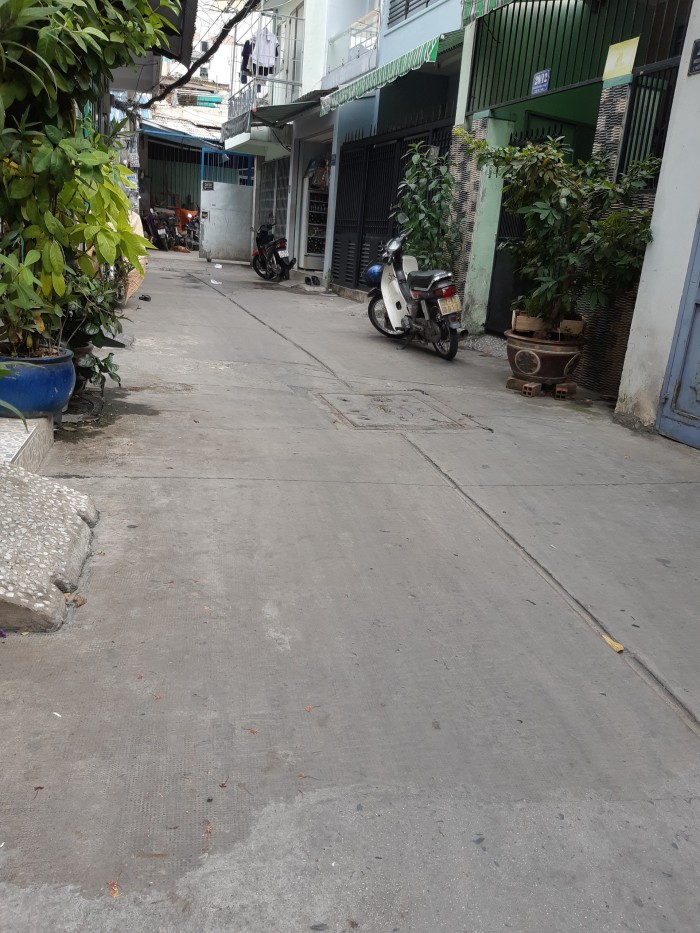 Cho thuê nhà nguyên căn gần chợ Tân Hương 1 lầu 2PN 4,2x15m