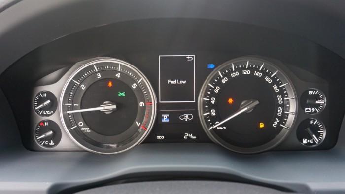 Bán Toyota Land Cruiser VX.R 4.6 AT đời 2017,nhập Trung Đông mới 100% 6