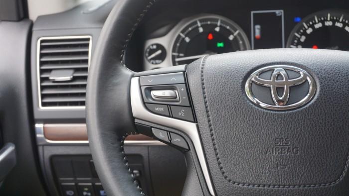 Bán Toyota Land Cruiser VX.R 4.6 AT đời 2017,nhập Trung Đông mới 100% 24